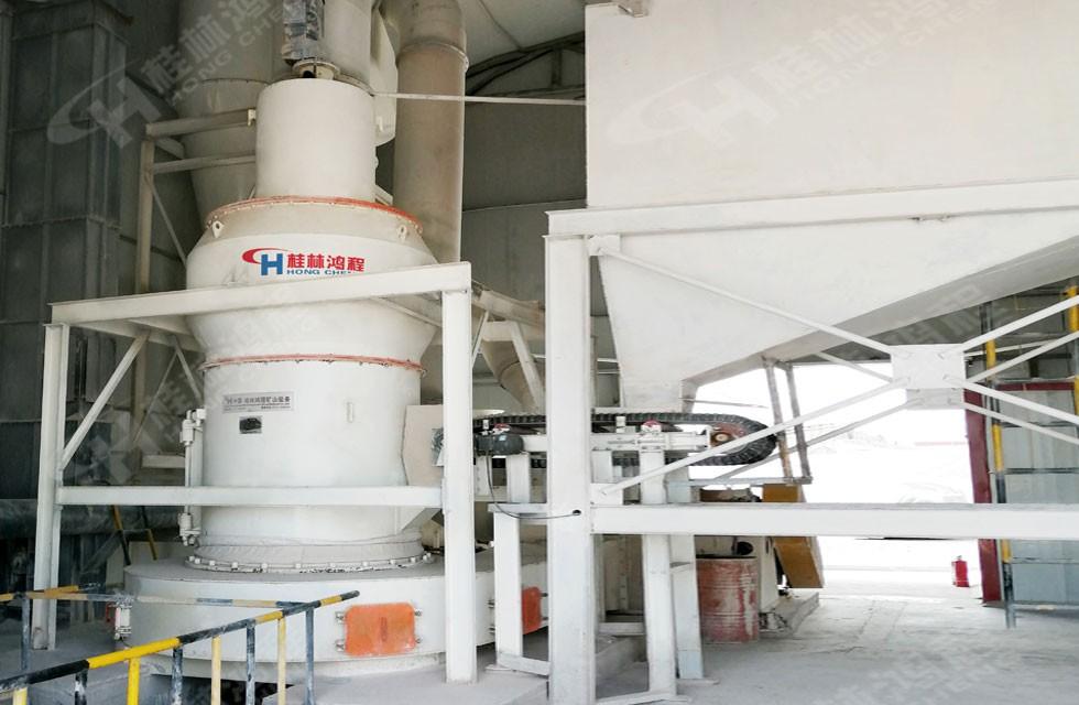 hc1700型摆式磨粉机石灰岩磨机新疆清河客户项目