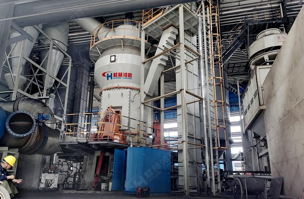锰矿石生产线立式磨HLM2000广西钦州客户进行量产