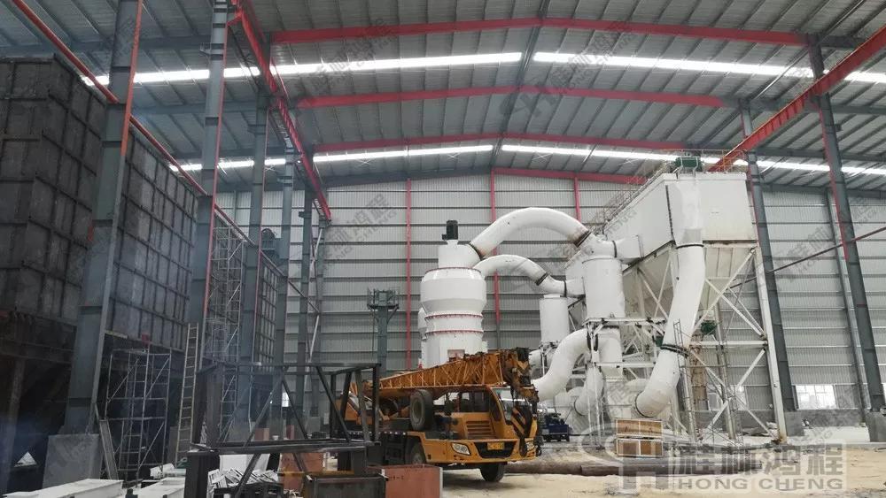 桂林鸿程人造岗石设备 HLMX1700超细立磨人造岗石磨粉机生产线