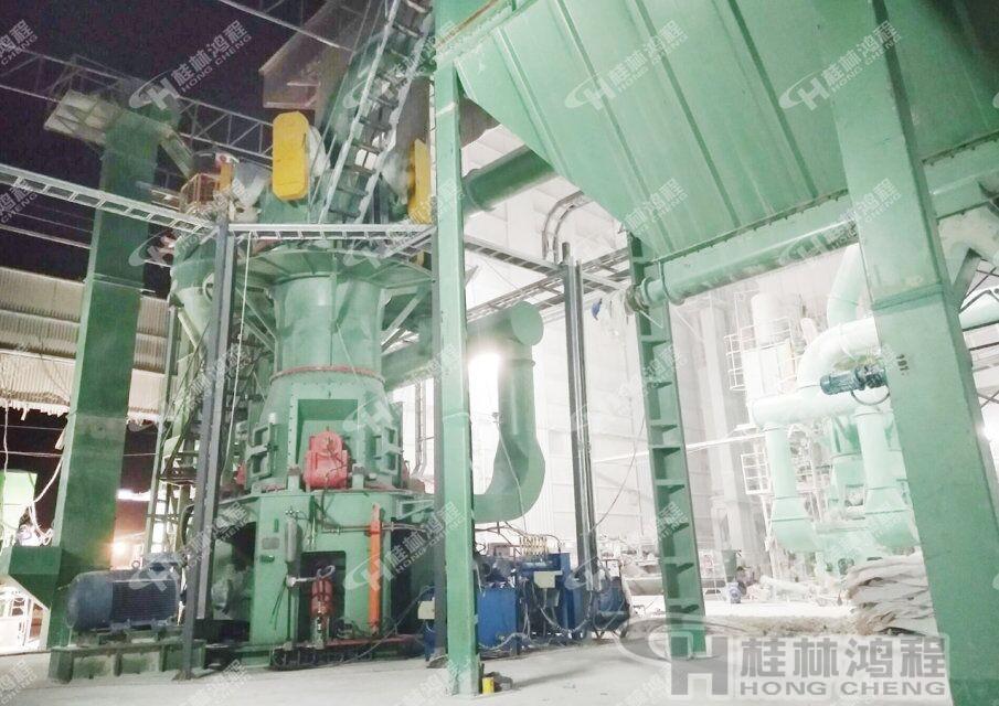 环保磨粉机 重质碳酸钙磨机(HLMX重钙立磨) 3微米~45微米重钙粉磨粉机