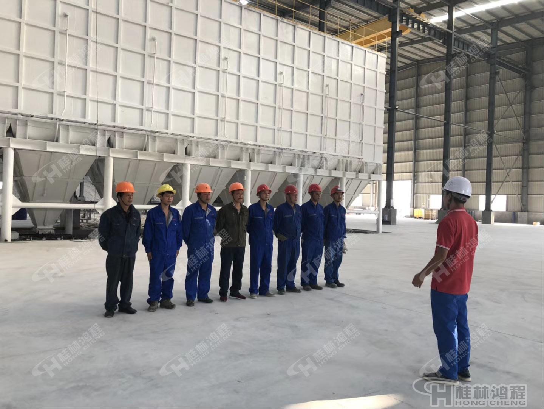 桂林鸿程人造石生产线003号EPC项目总包设备安装现场