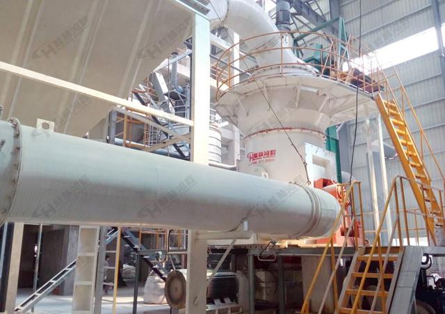 石墨立磨机生产线设备 磨粉生产线主机设备-HLMX超细立式磨粉机
