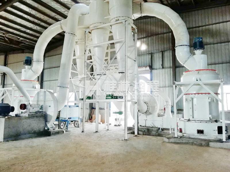 桂林鸿程雷蒙机设备种类三:专打贝壳,田螺的磨粉机HCQ改进型磨粉机
