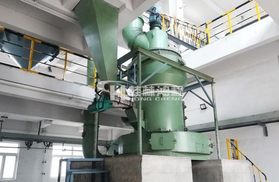 废水处理80-100目活性炭制粉设备:R型活性炭雷蒙磨粉机